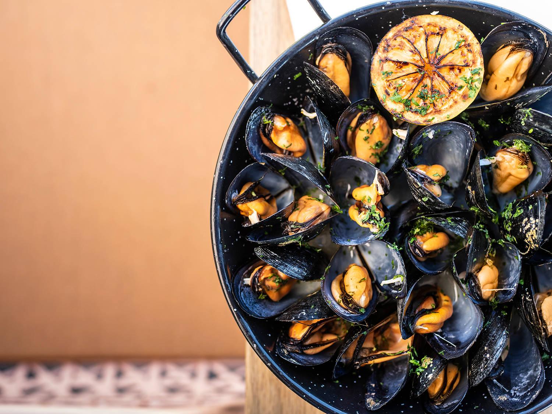 Platos de cocina mediterránea y tapas