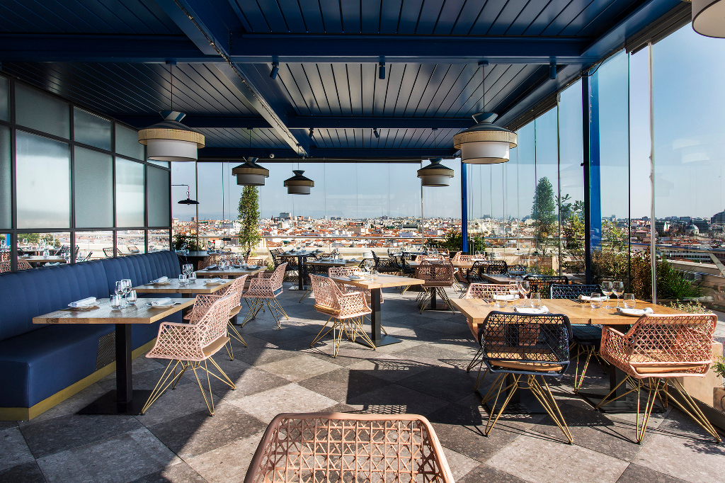 Rediscover the Madrid sky from our restaurant
