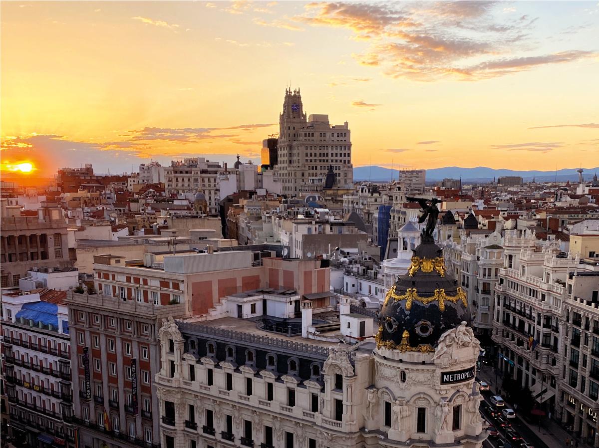 LAS MEJORES VISTAS DE MADRID EN LA AZOTEA DE UN EDIFICIO EMBLEMÁTICO